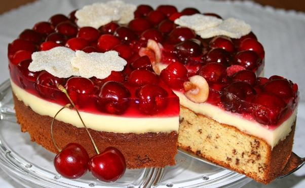 Marzipan-Kirsch-Torte 2